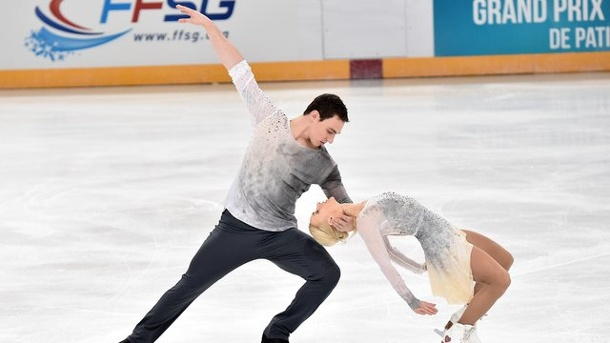 Eiskunstlauf: Paarläufer Savchenko/Massot gewinnen Grand Prix in Paris. Aliona Savchenko und Bruno Massot gewannen den Grand Prix in Paris.