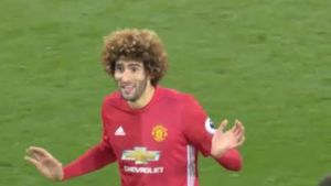 Schweini-Konkurrent Fellaini lässt Mourinho toben. (Screenshot: Perform/ePlayer)
