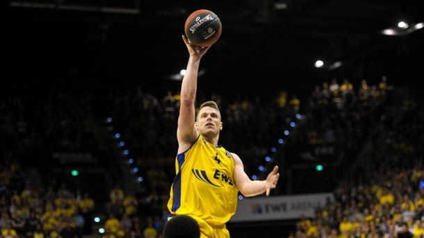 Basketball: Champions-League-Rekord für Oldenburgs Basketballer Kramer. Chris Kramer von den EWE Baskets Oldenburg erzielte gegen Usak Sportif ein Triple-Double.