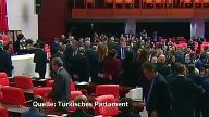 Türkisches Parlament billigt Verfassungsreform. (Screenshot: Reuters)