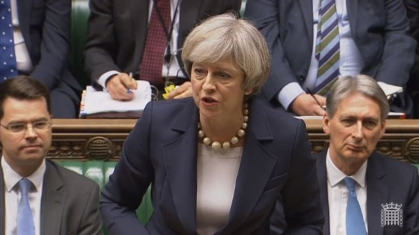 EU: Britische Parlamentarier enttäuscht von Brexit-Strategieplan. Die britische Premierministerin Theresa May am Mittwoch im House of Commons in Lodon.