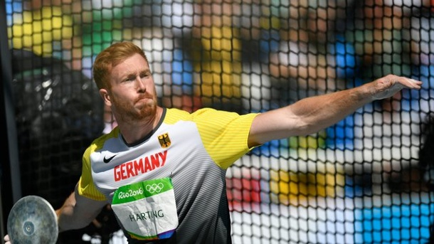 Leichtathletik - Olympiasieger Christoph Harting: Beim ISTAF der Local Hero. Christoph Harting ist der Star des Berliner Hallen-Meetings.