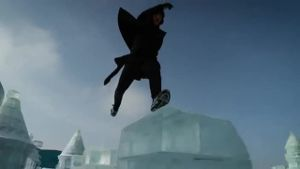 German Freerunner rockt Eisstadt. (Screenshot: Omnisport)
