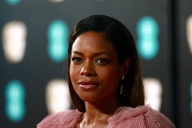 Naomie Harris auf den 70. British Academy Film Awards. (Quelle: imago/ZUMA Press)