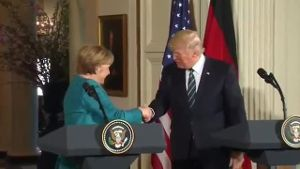Angela Merkel trifft Donald Trump in Washington (Screenshot: Reuters)