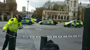 Terroralarm nach Angriff in London (Screenshot: Reuters)