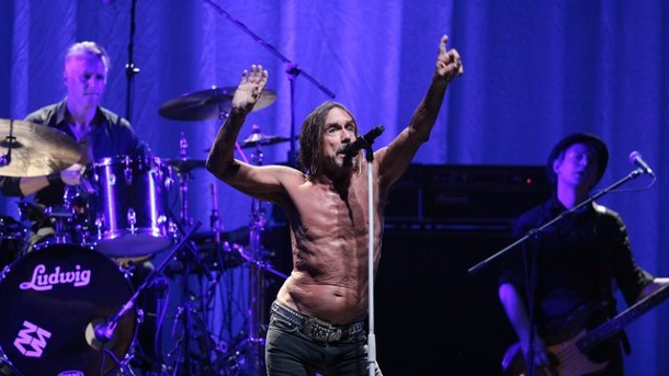 Musik - Godfather of Punk: Iggy Pop wird 70. Mit vollem Körpereinsatz: Iggy Pop 2016 in Bogotá, Kolumbien.