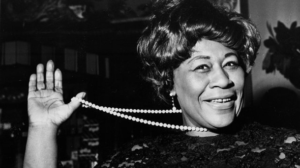Musik - First Lady des Jazz: Ella Fitzgerald wäre 100. Ella Fitzgerald 1968 im Carlton Theatre in London.