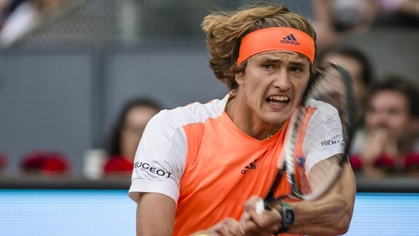 Tennis: Deutsches Tennis-Quartett in Madrid ausgeschieden. Alexander Zverev hat sein Auftaktmatch in Madrid gewonnen.
