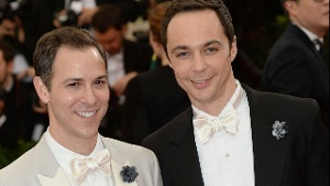 "Jim Parsons: Der ""The Big Bang Theory""-Star hat seinen Freund geheiratet"