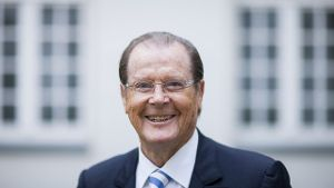 Sir Roger Moore 2013 in Aachen.