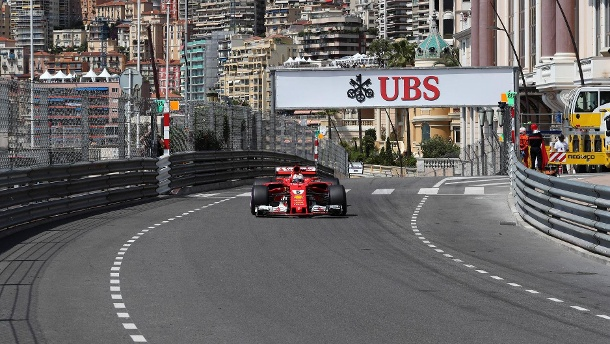 Räikkönen holt die Pole - Hamilton verpasst Top Ten. Sebastian Vettel startet morgen von Rang zwei in Monaco. (Quelle: imago/Crash Media Group)