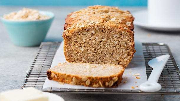 Ist Vollkornbrot wirklich gesünder als Weißbrot?. Brot mit Kokusnuss und Hafer (Quelle: Thinkstock by Getty-Images/AnnaPustynnikova)