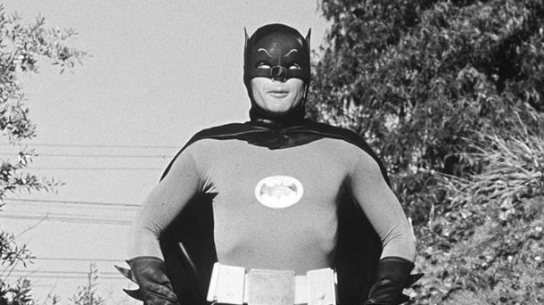 "Adam West: Der ""Batman""-Darsteller stirbt mit 88. ""Batman""-Darsteller Adam West ist tot (Quelle: imago/ZUMA Press)"