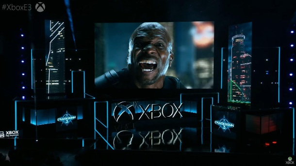 Terry Crews zeigt Crackdown 3 (Quelle: Microsoft)