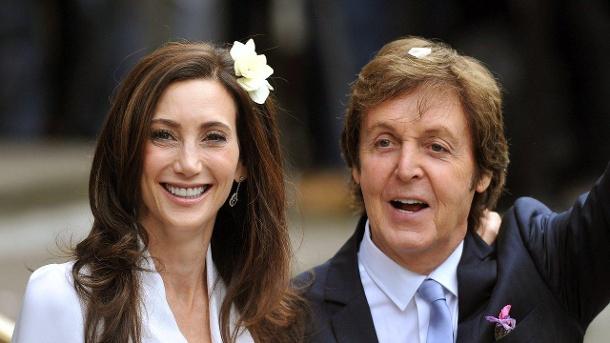Sir Paul McCartney und Nancy Shevell heiraten am 9. Oktober 2011 in London. (Quelle: dpa/John Stillwell)