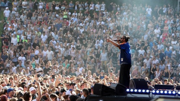 "20 000 Besucher bei Benefiz-Festival ""Peace x Peace"". Samy Deluxe"