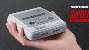 Rückkehr der Retro-Konsole Nintendo Classic Mini Super Nintendo Entertainment System (SNES)