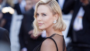 Charlize nackt theron Charlize Theron