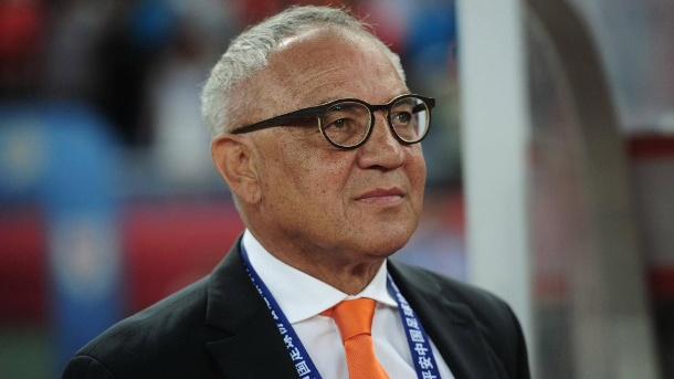 Skandal in China: Klubs der Super League zahlen Gehälter nicht. Felix Magath (Quelle: imago images/Imaginechina)