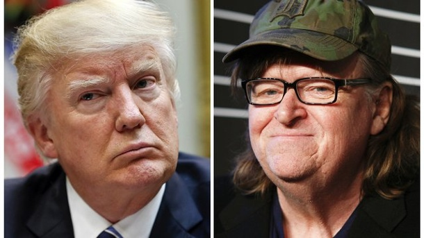 "Theater: Michael Moore am Broadway mit Anti-Trump-Satire. US-Regisseur Michael Moore (r) tritt am Broadway mit seinem Anti-Trump-Stück ""The Terms of My Surrender"" auf."