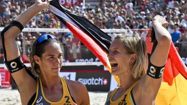 "Beach-Volleyball - ""Cool, cooler, sensationell"": Gold für Ludwig/Walkenhorst. Die Olympiasiegerinnen Laura Ludwig (r."