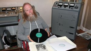 Schallplatten-Liebhaber Pete Hutchison im Studio seiner Electric Recording Company in London.