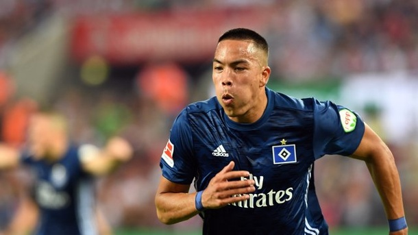 Medien: HSV-Stürmer Wood fällt in Hannover aus. Bobby Wood in Aktion