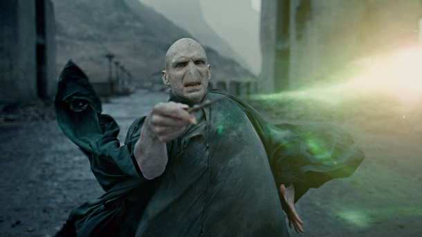 Ralph Fiennes spielte ab Teil vier der Reihe Harry Potters Erzfeind Lord Voldemort. (Quelle: imago/Cinema Publishers Collection)