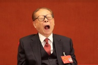 Former Chinese President Jiang Zemin is seen during the opening of the 19th National Congress of the Communist Party of China at the Great Hall of the People in Beijing (Quelle: Reuters)