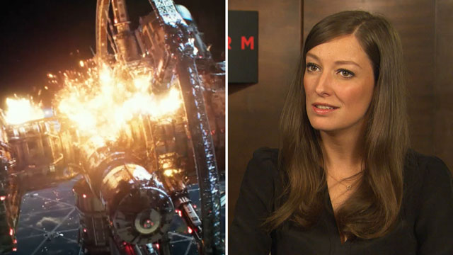 "Alexandra Maria Lara spielt im Katastrophen-Thriller und Hollywood-Blockbuster ""Geostorm"" mit. (Screenshot: Warner Bros. Pictures) (Quelle: t-online.de / Warner Bros. Pictures)"