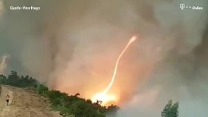 Feuertornado in Portugal gefilmt (Screenshot: Reuters)