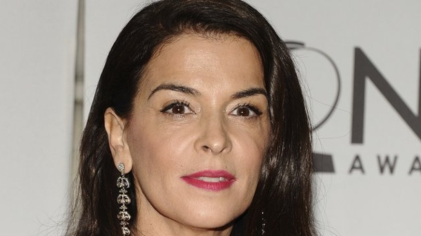 Gesellschaft: Annabella Sciorra wirft Weinstein Vergewaltigung vor. Annabella Sciorra 2011 bei den Tony Awards in New York.