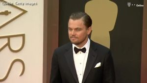 Leonardo DiCaprio mit Model-Schönheit gesichtet (Screenshot: Bitprojects)