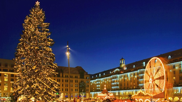 Der Striezelmarkt in Dresden. (Quelle: Thinkstock by Getty-Images/LianeM.)