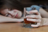 alkohol meiden (Quelle: Thinkstock by Getty-Images)