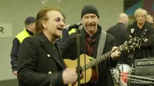 U2 gibt Konzert in U2 (Screenshot: Reuters)