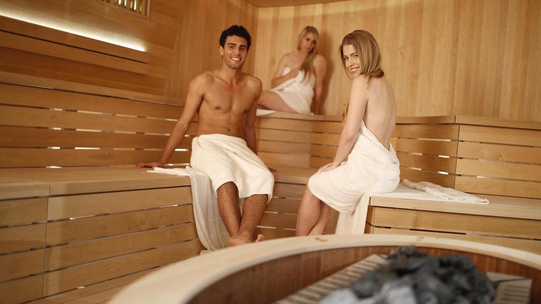was sie in der sauna tun d rfen und was nicht. Black Bedroom Furniture Sets. Home Design Ideas