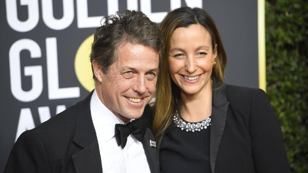 January 7 2018 Los Angeles California U S HUGH GRANT AND ANNA EBERSTEIN during red carpet ar (Quelle: Imago)