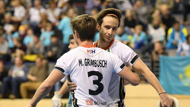 Deutsche Hockey-Teams als Sieger ins Hallen-WM-Viertelfinale. Indoor Hockey World Cup 2018