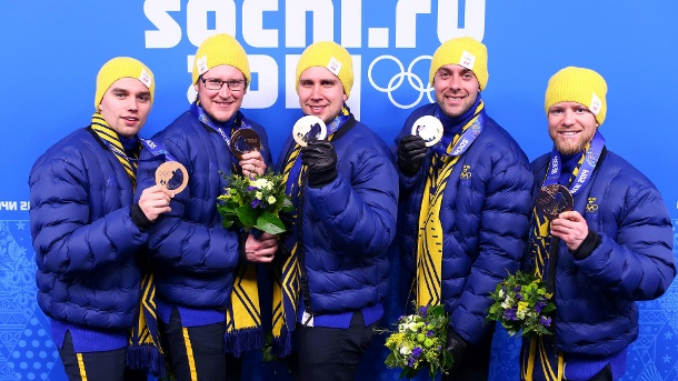 Niklas Edin mit der schwedischen Nationalmannschaft im Curling: Gewinner der Bronzemedaille in Sotschi 2014. (Quelle: Getty Images/Ryan Pierse)