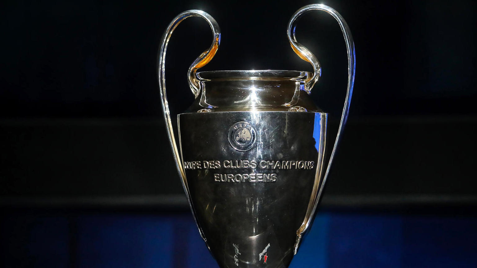 champions league trophäe