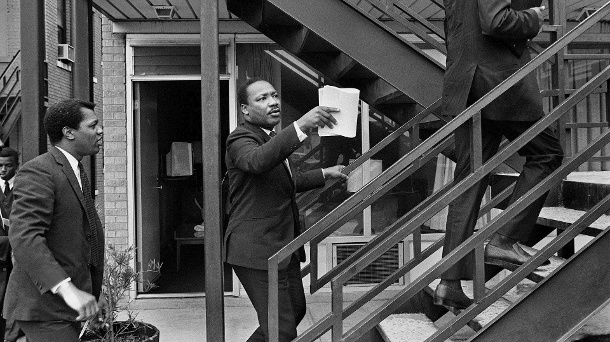 3. April 1968: Martin Luther King am Tag vor seinem Tod im Lorraine Motel in Memphis. (Quelle: AP/dpa/Barney Sellers/The Commercial Appeal)