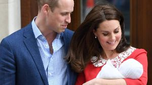 Royal Baby The Duke and Duchess of Cambridge with their newborn son outside the Lindo Wing at St Mar