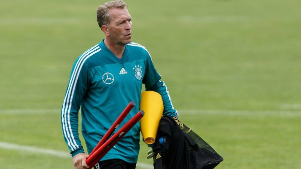 Köpke im DFB-Trainingslager in Eppan. (Quelle: imago images)