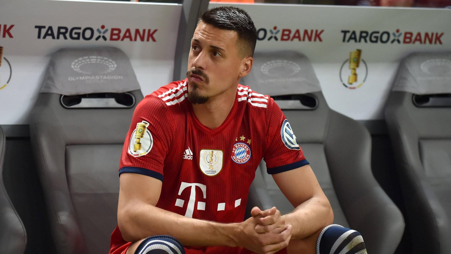 frankfurt boss hellmann stichelt gegen bayerns sandro wagner. Black Bedroom Furniture Sets. Home Design Ideas
