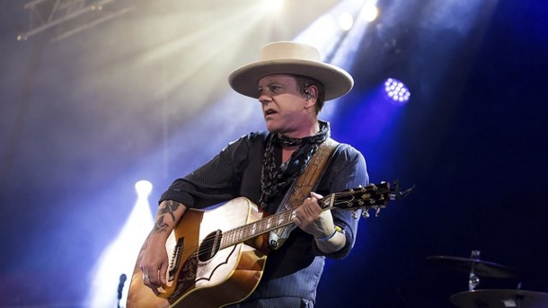 Musik: Hollywood-Star Kiefer Sutherland gibt Konzert in Hamburg. Kiefer Sutherland macht auch Musik.