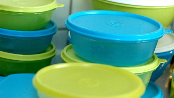 Tupperware startet deutschen Onlineshop – Aus für Tupperpartys?. Vorratsbehälter: In China und den USA betreibt Tupperware schon Webshops. (Quelle: imago/Marco Stepniak)