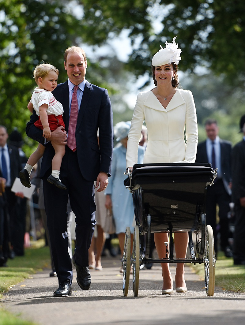 George, William und Kate: die Royals bei der Taufe von Prinzessin Charlotte. (Quelle: Getty Images)