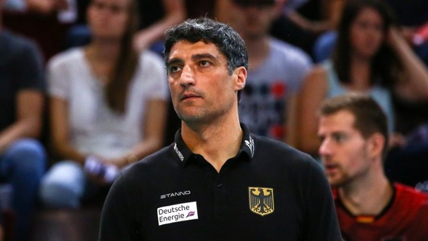 Volleyball: DVV-Männer verpassen Finalturnier der Nationenliga. Trainer Andrea Giani verpasst mit den deutschen Volleyballern das Finalturnier der Nationenliga.